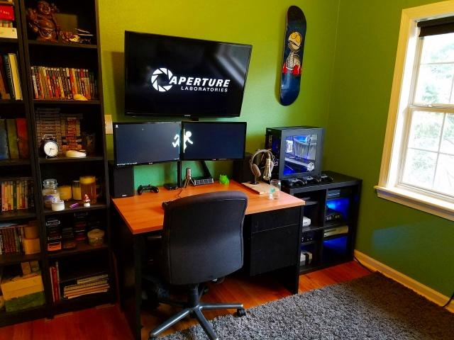 PC_Desk_MultiDisplay89_87.jpg