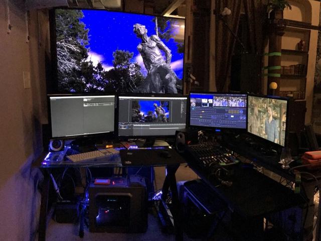 PC_Desk_MultiDisplay89_92.jpg
