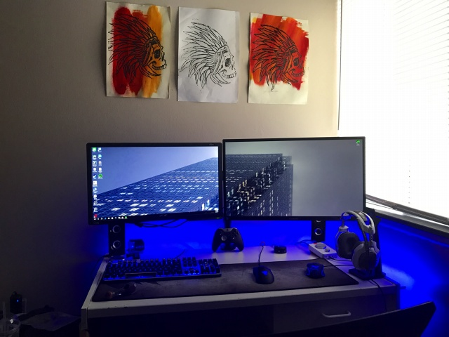 PC_Desk_MultiDisplay90_67.jpg