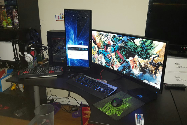 PC_Desk_UltlaWideMonitor17_38.jpg