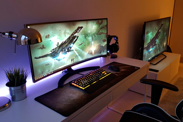 PC_Desk_UltlaWideMonitor17_87.jpg