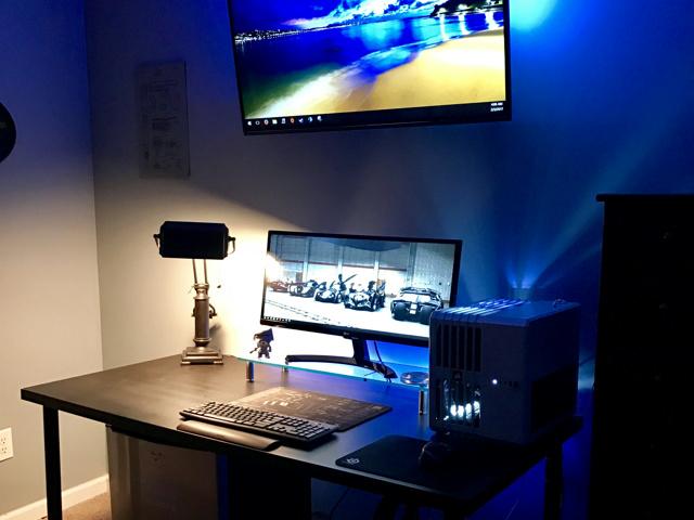 PC_Desk_UltlaWideMonitor18_73.jpg