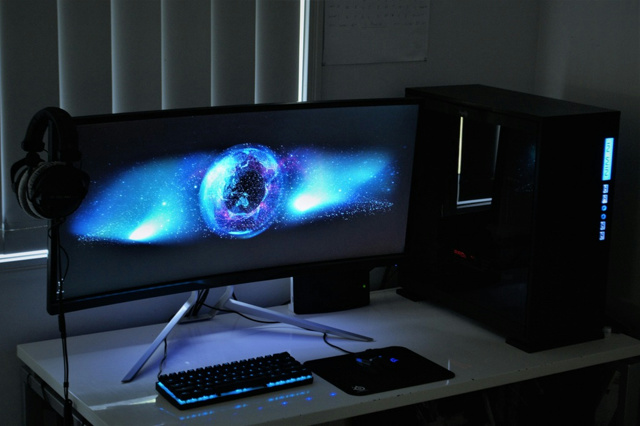 PC_Desk_UltlaWideMonitor18_93.jpg