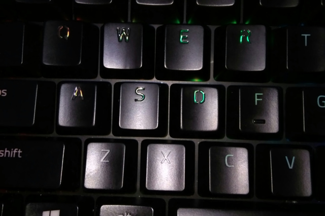 Razer_Metallic_Keycap_set_08.jpg