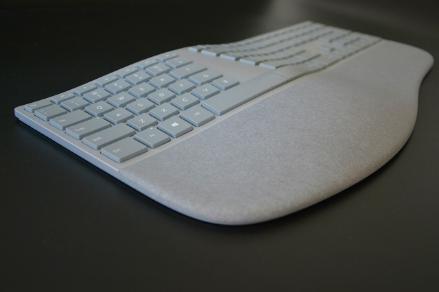 Surface_Ergonomic_Keyboard_12.jpg