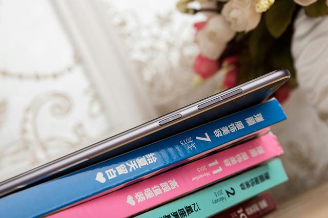 ZenPad3S10_08.jpg