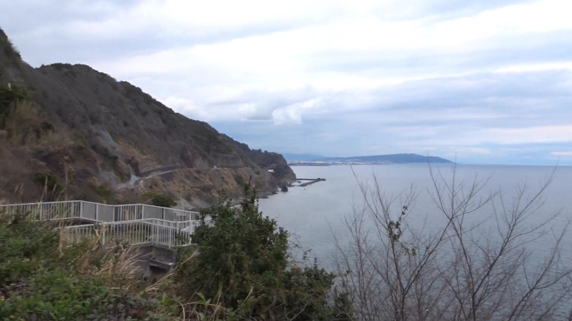 3年半振りに開通した大崩海岸と松風閣 (2017年3月)